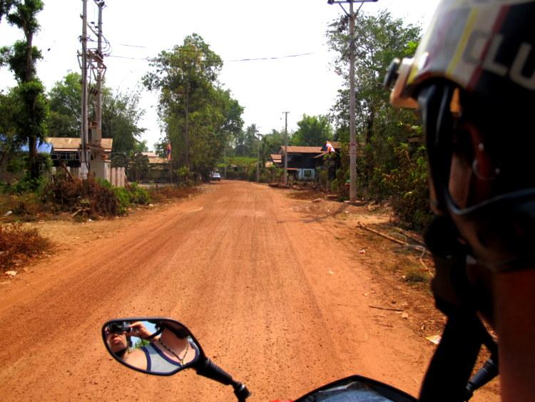 Motorcycling around Hpaan, Myanmar